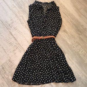 Dresses & Skirts - LIKE NEW Swing dress